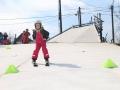Síelés a budapesti műanyag sípályán, gyermek síoktatás